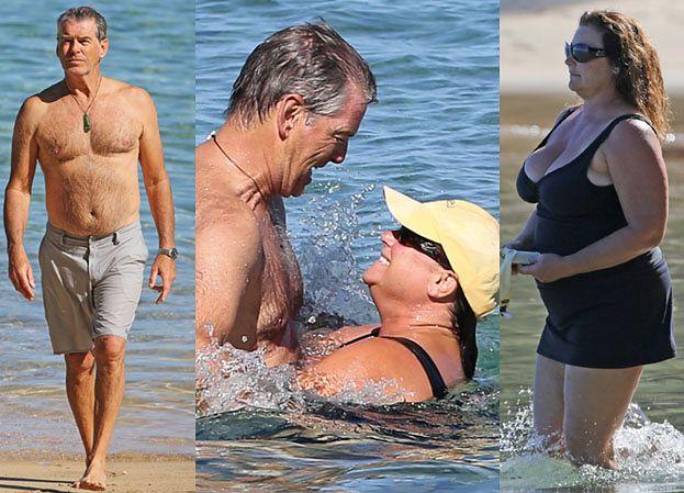 Zakochany Pierce Brosnan z żoną na wakacjach (ZDJĘCIA)