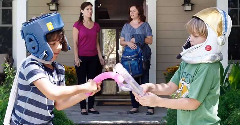 Kampania społeczna: Dzieci bawią się... wibratorami!