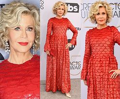 """Jane Fonda błyszczy w czerwonej """"rybiej łusce"""" od Valentino"""
