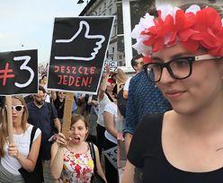 """Kolejne protesty przed Pałacem Prezydenckim! """"Przyszliśmy, żeby walczyć tutaj o wolności i równość"""""""