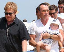 Elton John na wakacjach z synkiem! (ZDJĘCIA)