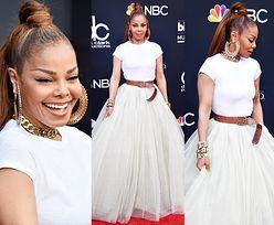 """52-letnia Janet Jackson cieszy się z nagrody """"Billboardu"""""""