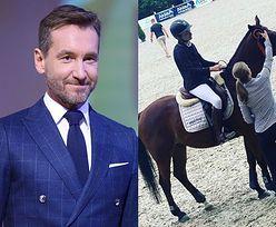 """Piotr Kraśko gratuluje synom wygranej w zawodach jeździeckich. Kinga Rusin wtóruje: """"DUMA PRAWIE RODZINNA"""""""