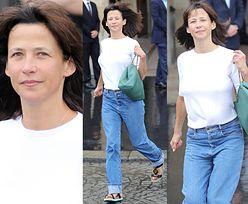 Nieumalowana Sophie Marceau wybiega z paryskiego hotelu