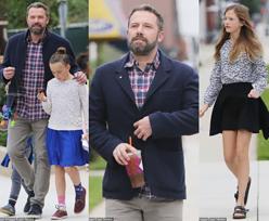 Zadbany Ben Affleck zabrał dzieci do kościoła. Córka wyrosła na piękną dziewczynę!