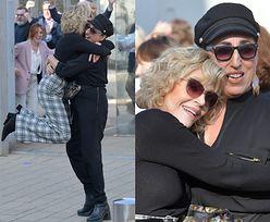 Krzepka Jane Fonda rzuca się na szyję Rossy De Palmie