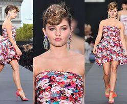 """Nogi """"najpiękniejszej dziewczynki świata"""" na wybiegu w Paryżu"""