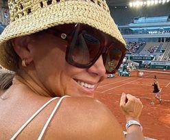 Kinga Rusin zadaje szyku w kapelutku Prady i okularach Gucci na turnieju Roland Garros. Luksusowo?