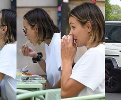 Sara Boruc w prostej stylizacji i klapkach za 2,5 tysiąca delektuje się azjatycką kuchnią na lunchu z przyjacielem (ZDJĘCIA)