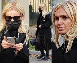 Monika Olejnik w koronkowej spódnicy robi selfie na tle błyskawicy (ZDJĘCIA)