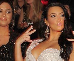 """Kim Kardashian prezentuje ARCHIWUM PRZYMIAREK z czasów, zanim Kanye West """"ulepszył"""" jej styl. Wyglądała lepiej? (ZDJĘCIA)"""