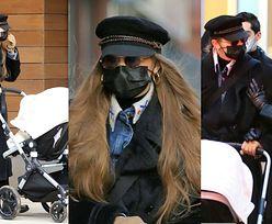 Stylowa mama Gigi Hadid maszeruje ulicami Nowego Jorku z malutką córeczką i siostrą Bellą (ZDJĘCIA)