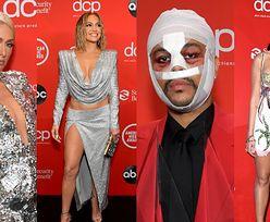 American Music Awards: zjawiskowa Jennifer Lopez, zabandażowany The Weeknd, cekinowa Paris Hilton (ZDJĘCIA)