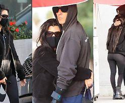 Kourtney Kardashian i Travis Barker obściskują się na środku ulicy (ZDJĘCIA)