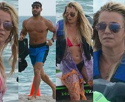 Zrelaksowana Britney Spears bawi się z umięśnionym chłopakiem na skuterach wodnych (ZDJĘCIA)