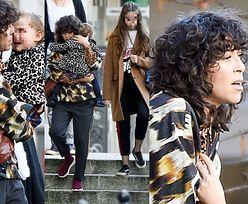 Młodzieżowa Natalia Kukulska zabrała na spacer modne córki (ZDJĘCIA)