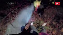 Strażacy uwięzieni przez ogień. Otrzymali pomoc z powietrza