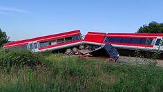 Zderzenie ciężarówki z pociągiem. Przejazd Kołbaskowo-Smolęcin zablokowany