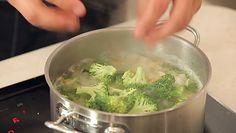 Rozgrzewająca zupa brokułowa