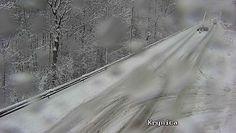 Śnieżyce znowu atakują Polskę. Trudne warunki na małopolskich i podkarpackich drogach