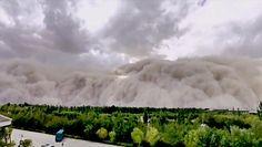 Burza piaskowa pochłonęła miasto. Nagranie z Chin podbiło sieć