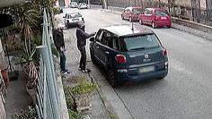 Najszybsza na świecie kradzież auta. Włosi pokazali nagranie