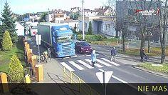Ciężarówka potrąciła kobietę na pasach