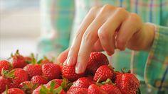 Czy można jeść szypułki truskawek?