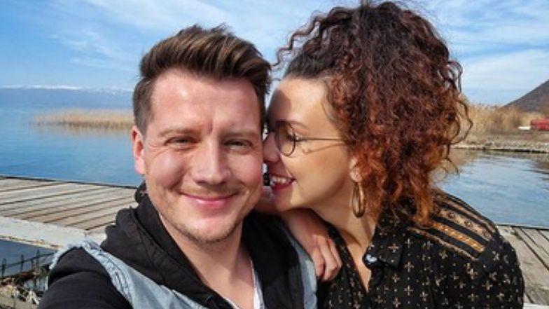 """Jakub Tolak, serialowy Daniel z """"Klanu"""", WZIĄŁ ŚLUB! """"Mamy nadzieję, że większych zmian w relacji nie zauważymy"""" (FOTO)"""