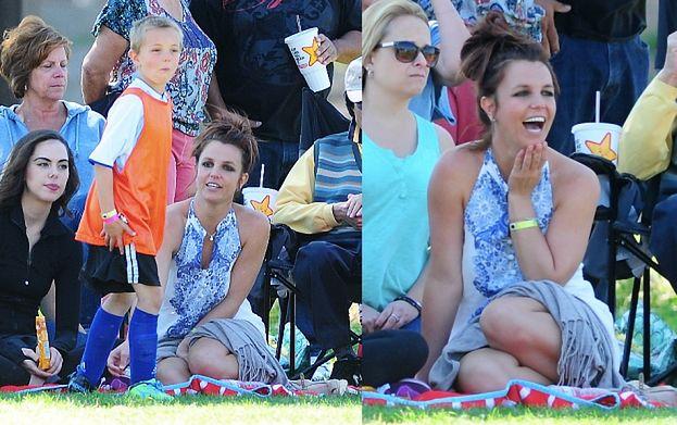 Britney z synem na meczu piłki nożnej (ZDJĘCIA)