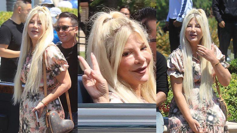 Nieruchoma twarz Tori Spelling zaszczyca swoją obecnością wyścigi samochodowe w Beverly Hills (ZDJĘCIA)