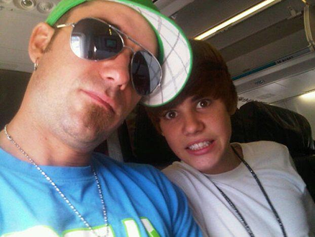 Ojciec Biebera będzie... RAPOWAĆ!