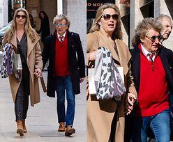 Romantyczny Rod Stewart przemierza ulice Paryża w towarzystwie żony młodszej o 27 lat (FOTO)