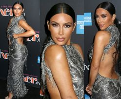Kim Kardashian świeci plecami na premierze musicalu o Cher