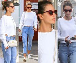 #TRENDY: Alessandra Ambrosio w kaszmirowej bluzie