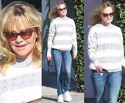 Melanie Griffith rozkoszuje się słońcem na chodniku w Hollywood