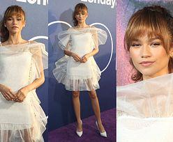 Grzeczna Zendaya w sukience Nina Ricci chwali się szczupłymi nogami na premierze serialu