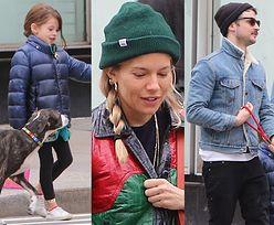 Naturalna Sienna Miller na spacerze z córeczką