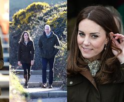 """Księżna Kate i książę William w """"bliźniaczych"""" stylizacjach odwiedzają ekologiczną farmę i spacerują po klifach. Para idealna? (ZDJĘCIA)"""