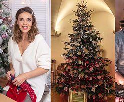 """U jednych minimalizm i tradycja, u innych """"na bogato"""". Tak gwiazdy udekorowały świąteczne drzewka (WIDEO)"""