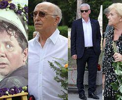 Pogrzeb Romana Kłosowskiego. Skromna reprezentacja przyjaciół pożegnała aktora (ZDJĘCIA)