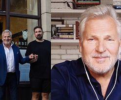 """Wymuskany Aleksander Kwaśniewski pielęgnuje brodę w salonie barberskim NERGALA. """"Elegancki mężczyzna w eleganckim miejscu"""""""