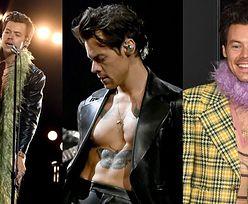 Grammy 2021. Harry Styles odsłania umięśnioną klatę w 3 RÓŻNYCH STYLIZACJACH! (ZDJĘCIA)