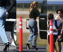 Jennifer Lopez w podartych dżinsach i MEGASZPILKACH wsiada z dziećmi na pokład prywatnego samolotu (ZDJĘCIA)