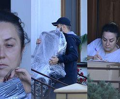 Zirytowana Danuta Martyniuk odbiera od kuriera prezenty ODESŁANE przez Ewelinę z Russocic (ZDJĘCIA)