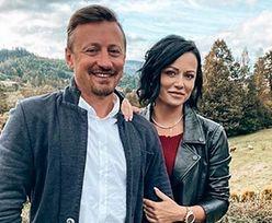 Dumny Adam Małysz pozuje z żoną Izabelą na rodzinnej uroczystości (FOTO)