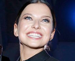 """Anna Lewandowska """"docenia to, co ma"""", bawiąc się z Klarą na Majorce w sukience za 7 tysięcy złotych (ZDJĘCIA)"""