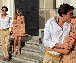 Zakochana Julia Wieniawa całuje się Nikodemem Rozbickim przed kościołem na ślubie znajomych. Romantycznie? (FOTO)