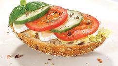 Ogórek i pomidor. Zakazane połączenie, które Polacy uwielbiają