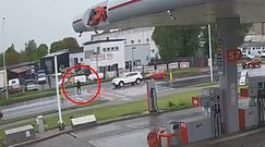 Wypadek na pasach w Kaliszu. Kamery nagrały przerażający moment